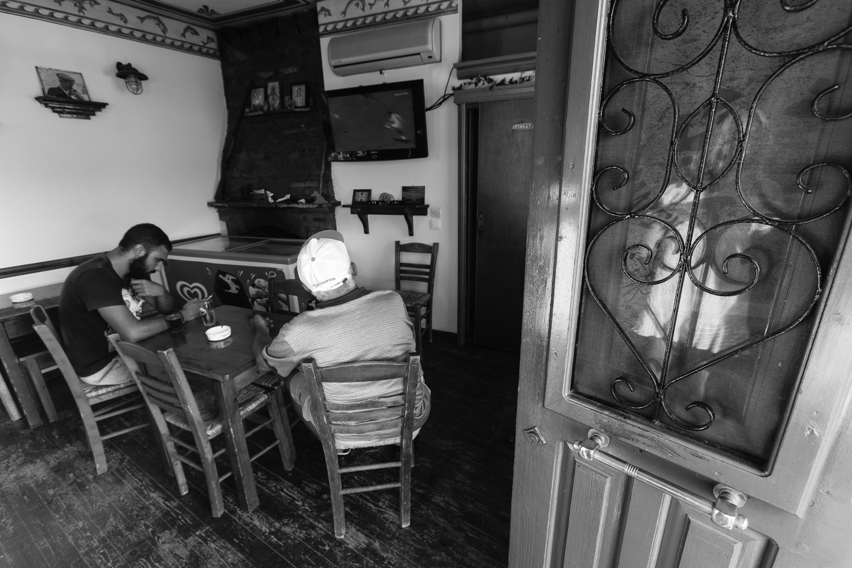 Στο καφενείο στο Μεσοχώρι