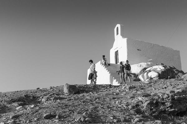 Ο Άγιος Νικόλαος στην κορυφή του λόφου της Χώρας
